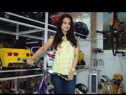 Ameesha Patel inaugurates a TOY store in Mumbai | Latest Bollywood News.