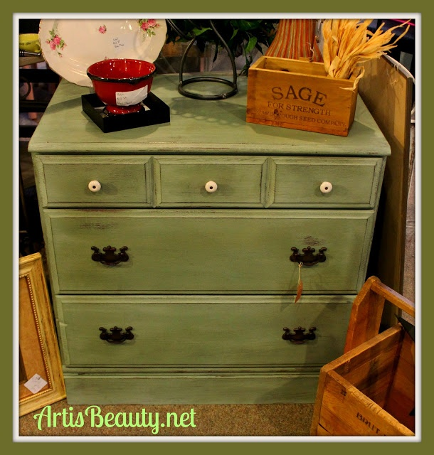 ART IS BEAUTY: Roadside Rescue Sage Dresser  http://arttisbeauty.blogspot.com/2012/11/roadside-rescue-sage-dresser.html
