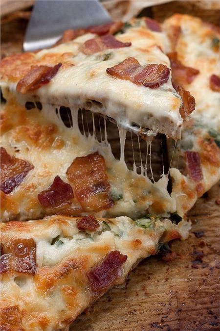 Λαχταριστή πίτσα καρμπονάρα σε 10'