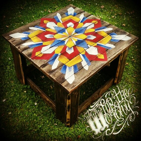Tried something a little different than my usual... #pallet #table #handmade #handpainted #fortheworthy #ftw