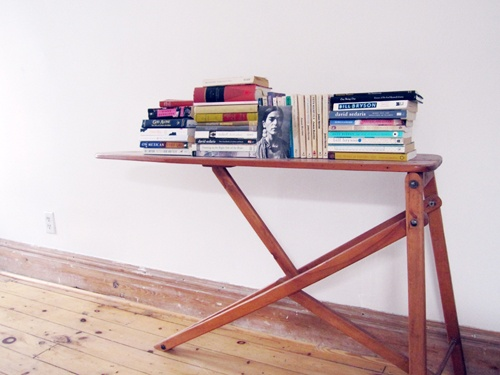 creative bookshelvesAwesome Book, Bookcases Ideas, Book Displays, 10 Creative, Ironing Boards, Vintage Iron Boards, A Bestrepurposedbookshelf, Display Book, Creative Bookshelves