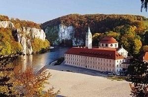 Kloster Weltenburg im Donaudurchbruch bei Kelheim, Deutschland