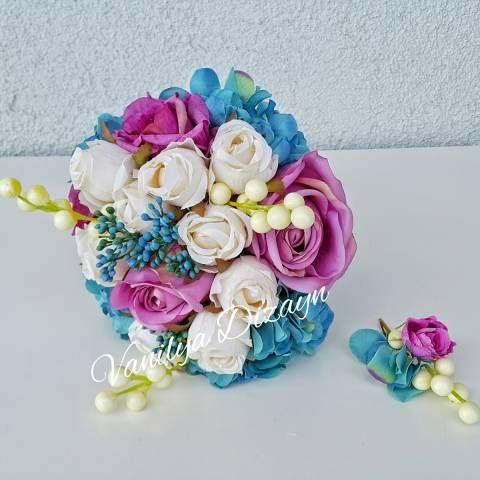 Mavi ortancalar mor ekvator gülleri ve beyaz gonca güllerle hazırlanmış pastel tonlarda gelin buketi gelin teli online satın al. damat yaka çiçeği