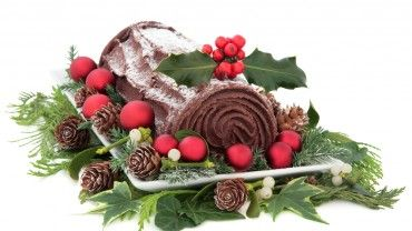 This classic Christmas dessert, also known as a yule log, tastes delicious! eumom's Christmas recipe is a showstopper, and decorating it to look like a log is fun for the whole family.