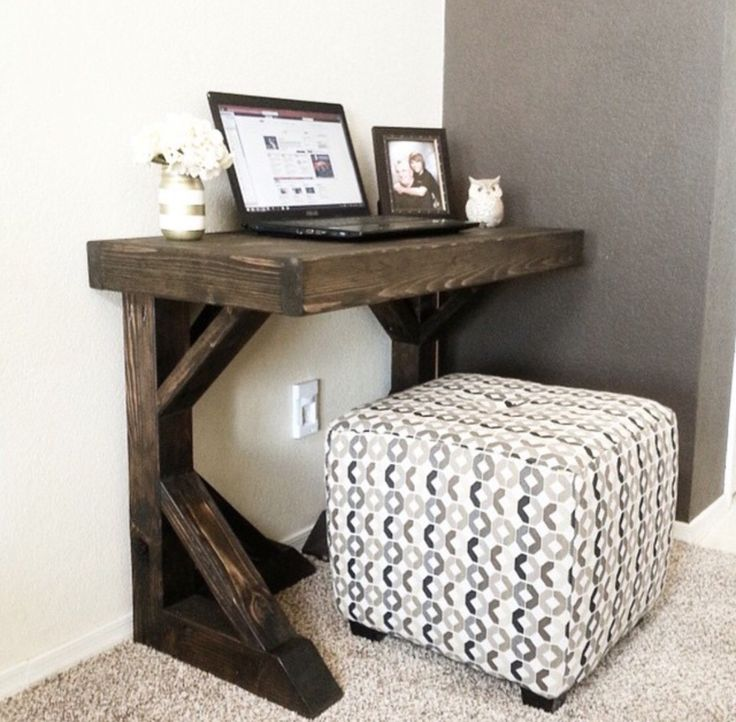 Small Desk Stunning Best 25 Small Desk Space Ideas On Pinterest  Small Office Desk . Decorating Inspiration