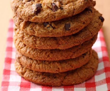 Guardando i telefilm americani, si vedono sempre i ragazzi del college e i bambini che sgranocchiano i cookies. Provate la nostra deliziosa ricetta!