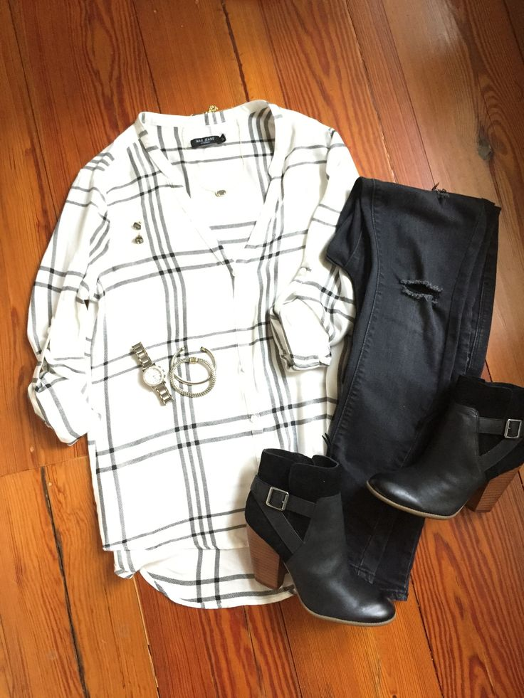 Fall outfit; white and black plaid shirt; black jeans; black ankle boots