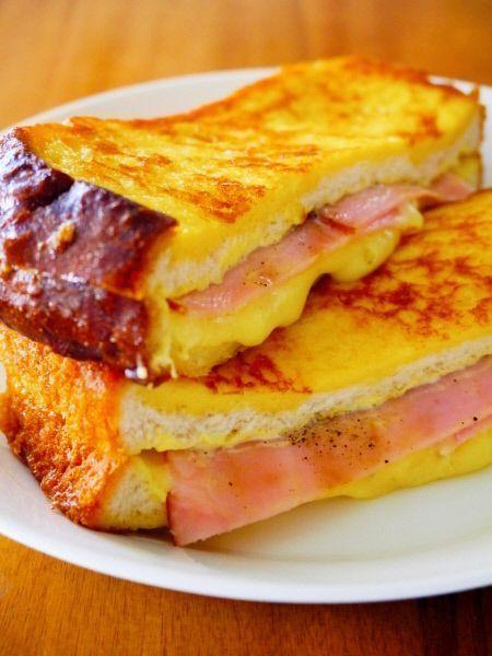 カナダ生まれのサンドイッチで フレンチトーストとクロックムッシュを 合わせたような感じ♪ 材料 1人分 食パン(6枚切り) 2枚 スライスチーズ 2枚 ロースハム 2枚 ◎マヨネーズ 適量 ◎マスタード 適量 ★卵 1個 …