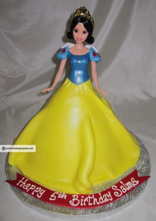 fake diamond jewelry snow white cake