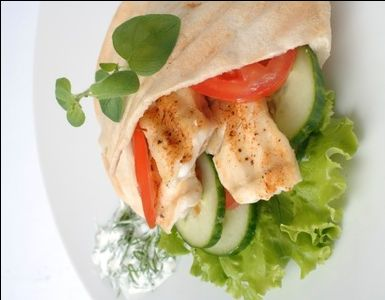 Grillet fisk i pita | www.greteroede.no | www.greteroede.no