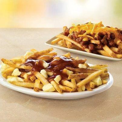 La poutine, il piatto tradizionale canadese ~ La cucina nel mondo