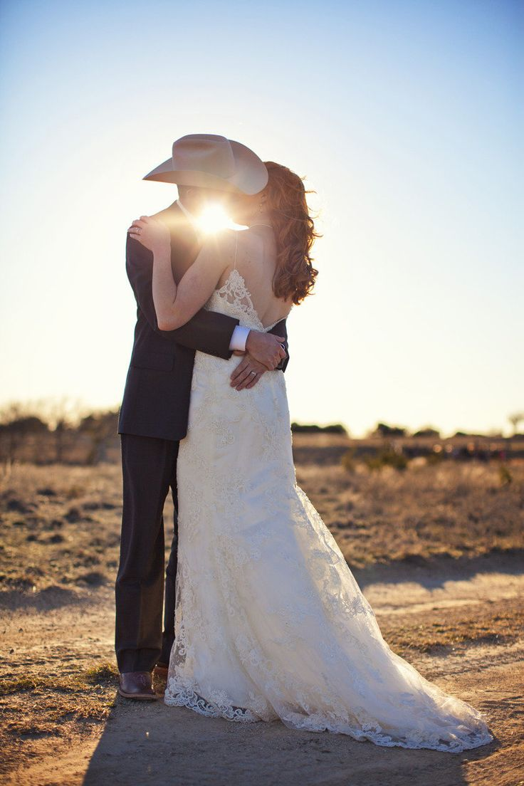This is a gorgeous photograph: Dresses Wedding, Wedding Dressses, Cowboys Hats, Photos Ideas, Bride Grooms, Future Husband, Country Music, Wedding Photos, Wedding Couple