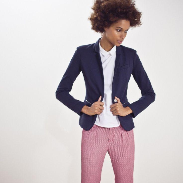 Blazer tendance pour femme : la veste marine MILANO chez IKKS.