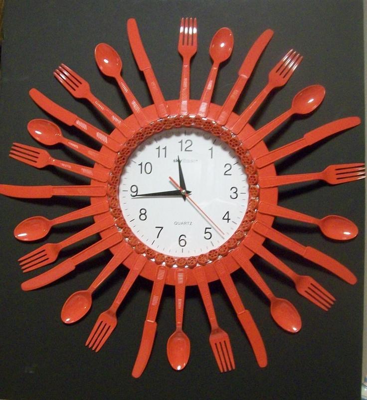 Reloj con cubiertos