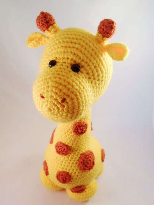 Gustav the Giraffe amigurumi crochet pattern by Pii_Chii