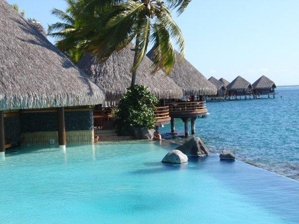 Intercontinental Hotel, Tahiti  Awsome swim up bar and infinity pool