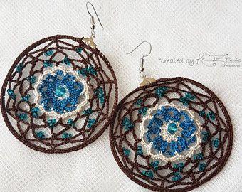 Aretes, aretes de Crochet, azul y marrón de ganchillo pendientes, joyería hecha a mano, pendientes de estilo Boho, joyas de ganchillo, pendientes de abalorios,