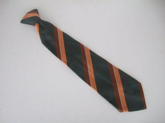 Vintage 1970s Men's 4 wide clip on tie / by StellaRoseVintage
