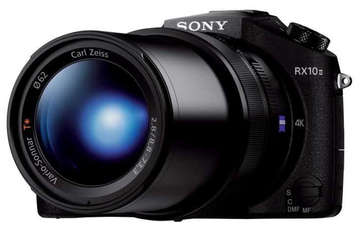 The Sony RX10 IV Camera retains much of the form factor and hardware innards as its predecessor RX10 III - it even offers the same f/2.4-4, 24-600mm (25x optical) zoom lens with optical image stabilisation