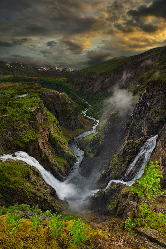 Vøringfossen - Norway--that such a place really exists is amazing.