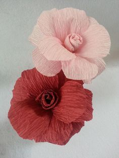 Learn how to make this easy rose flower using crepe paper streamers. You can get these streamers at the dollar stores or craft stores. They are very inexpensive. The instructions are simple and you only need a few supplies to get started. Materials crepe paper streamers soft wire scissors glue                                                                                                                                                                                 More