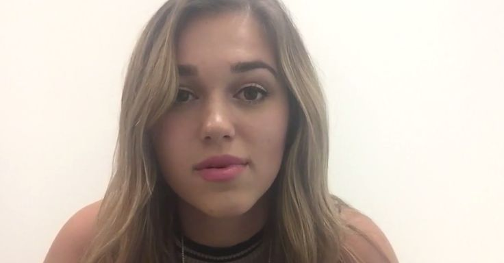 Sadie Robertson explains to her fans why she broke up with her boyfriend, and it's something many can learn from