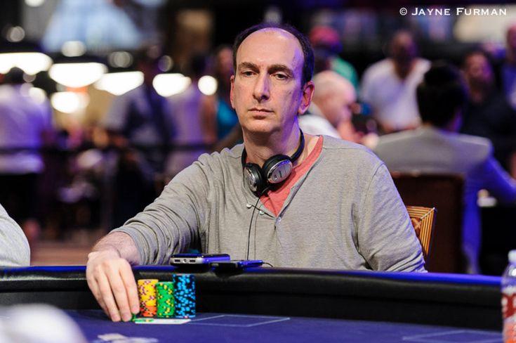 Мария Конникова - начинающая, но очень перспективная покервумен, в наставниках у которой значится сам Эрик Сайдел. После двух месяцев игры с нуля она смогла попасть в призы в трех турнирах из 4-х на PokerStars Championship Monte Carlo.