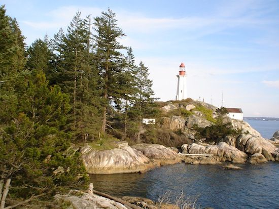 Top 5 Easy Summer Hikes in Vancouver