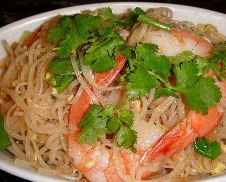 Shirataki noodles and shrimp - shirataki noodles have no carbs and zero calories!