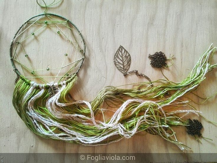 Windchime & Dreamcatcher - Dreamcatcher: Green Spirit with leaves and trees. Available. Link in bio :) #dreamcatcher #acchiappasogni #decor #handmade #windchime #shaman #pentagono #verde #idearegalo #pagan #leaf #green #fogliaviola #ooak