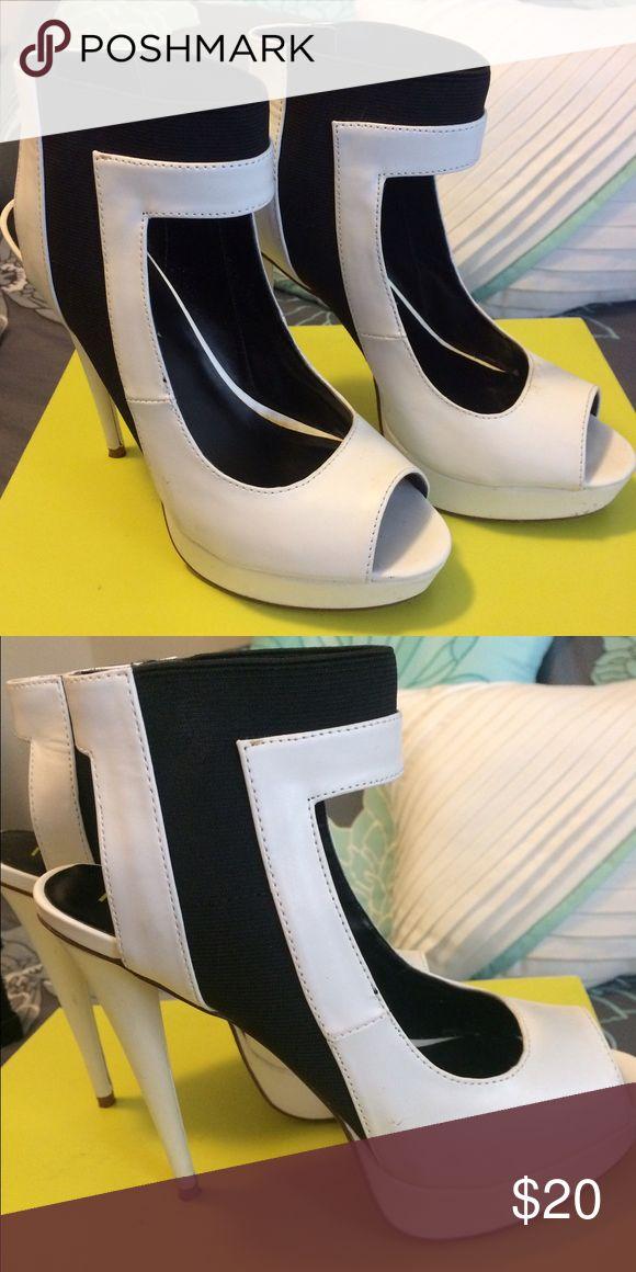 Black & White peep toe heels Size 6.5 peep toe shoes Shoes Heels