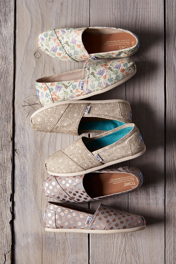 Prints, patterns and styles available only @ TOMS.com and in TOMS stores.