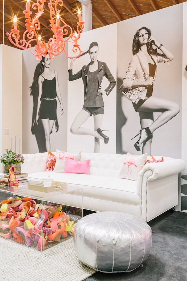 Relax and think Dazzle @ ShoeDazzle's merchandising office. Featured in today's Shop Talk: Shoedazzle | theglitterguide.com