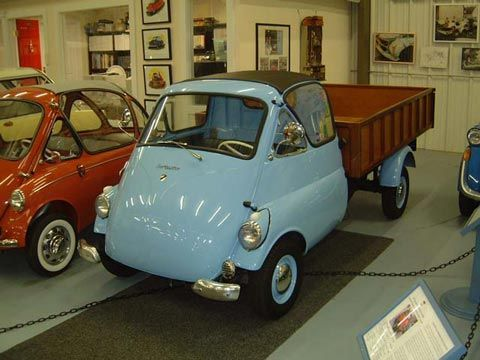 1957 Isettacarro. Renzo Rivolta's little Iso Isetta, immediately attracted attention, and licenses were granted to build them in several countries. Two models were offered - the little egg-shaped Turismo with narrow 50cm rear track, and the Type Autocarro, a commercial version with full-width rear axle. The Autocarro was offered in several body styles, a flatbed pickup, enclosed truck (Furgone Commerciale), a tilt-bed, or even a fire engine!