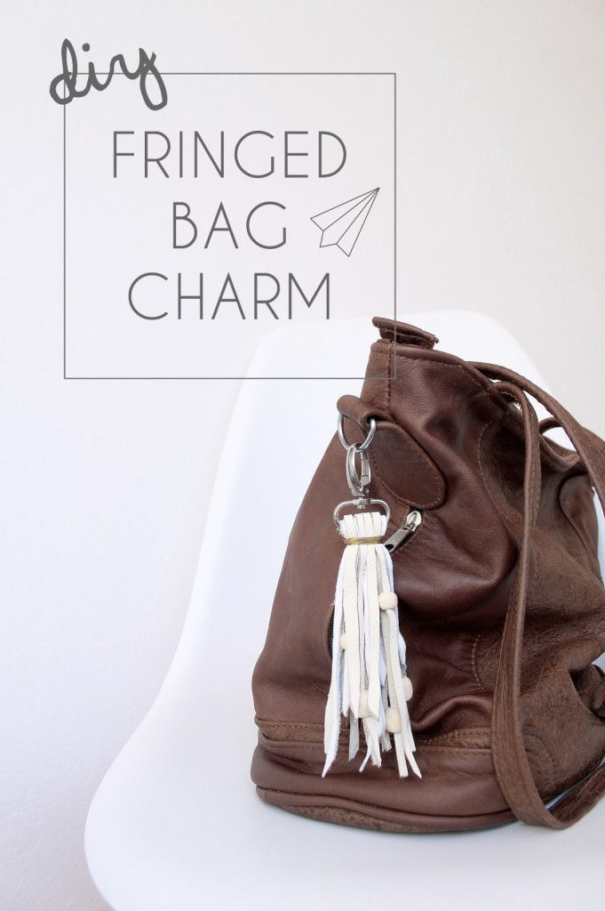 How to make - fringed handbag charm. Do you love your handbag? And I am sure you own more than one handbag…am I right? How about a little handmade something that gives all your handbags just the perfect personal touch? Make your own fringed handbag charm. » [es.kaa.] makes