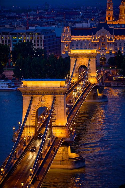 The Chain Bridge and Danube river, Budapest, Hungary.