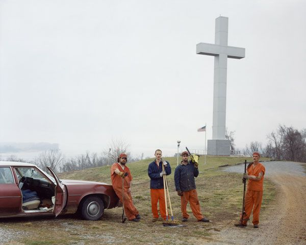 Photo by Alec Soth. Fort Jefferson Memorial Cross, KY, 2002.