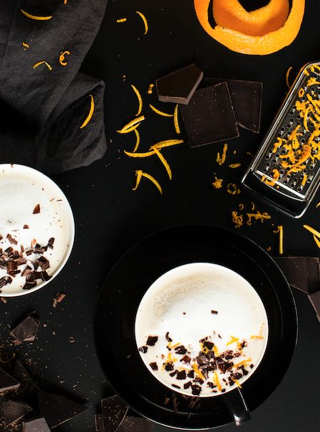 Jaffa Tea Latte - Is there anything more delish than the choc-orange combo? Make waves at your next tea break with this chocolate orange tea latte!