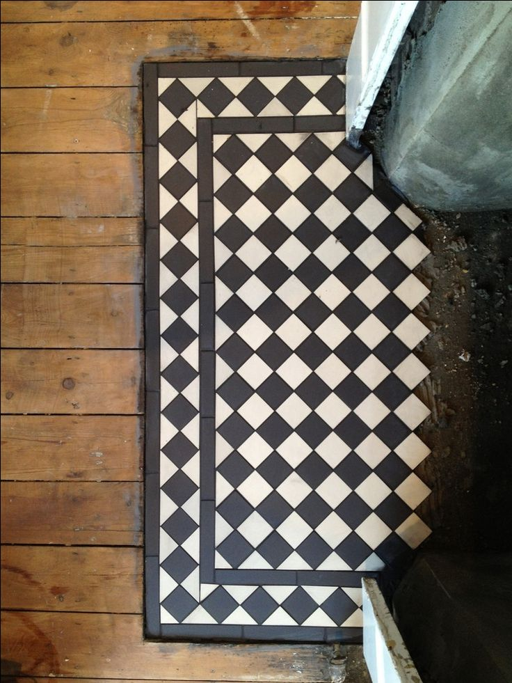 Nice Victorian tiled hearth