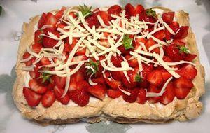 Marängtårta med jordgubbar - Viktväktarrecept