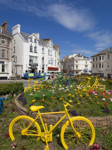 roundabouts in england | Traffic Roundabout with Painted Bicycles, Seaton, Devon Heritage Coast ...