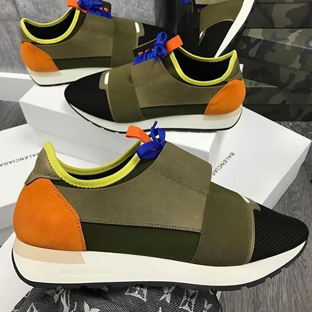 '➖Balenciaga ➖£380 ➖Express Delivery ➖All Sizes Available  #louisvuittonlover #louisvuitton #gucci #louboutin #christianlouboutin #valentino #balenciaga #louisvuitton #sneakers #shoes #appbreeze #luxury #yeezy #rolex #nike #nikeairmax #yeezys #yeezyboost350 #adidas #adidasoriginals #philippplein' by @shapeofluxury.  #cars #car #carporn #watches #carswithoutlimits #watch #designer #interior #gold #porsche #menswear #classy #luxurycars #realestate #lux #luxe #rolex #ferrari #supercar…