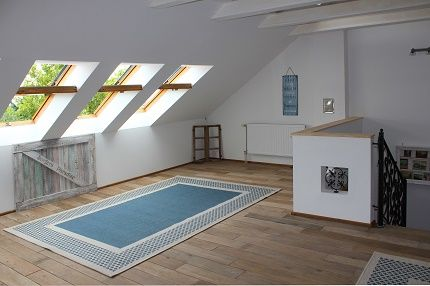 sea coast, beach style attic