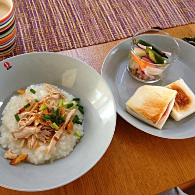 naomeちゃんが泊まりに来てくれた時の朝ごはん。 ・ブブールアヤム(鶏粥) ・アチャール(浅漬け) ・はんぺんのバターソテー - 6件のもぐもぐ - おもてなし朝ごはん by megan