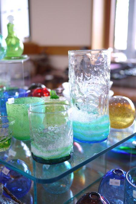 琉球ガラス村のガラス器 : 器と珈琲 Lien~りあん~ 色鮮やかな琉球ガラス、 暑い季節には最適な器かと思います。
