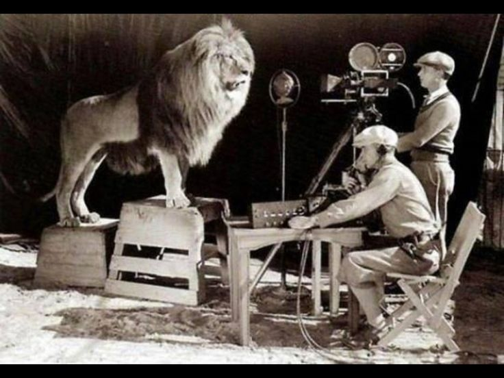 Filming the MGM logo 1924. How cool is this?