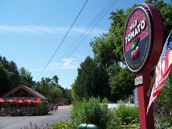 Wild tomato wood fired pizza and grille in fish creek wi for Fish creek wi restaurants