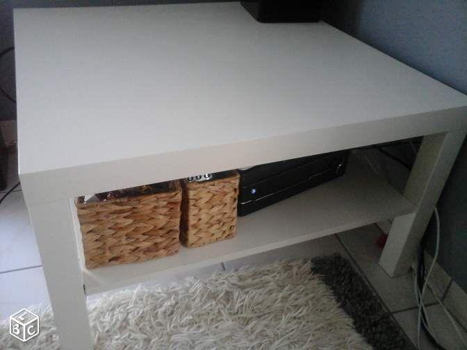 Table basse ikea noir laque for Ikea table basse noir