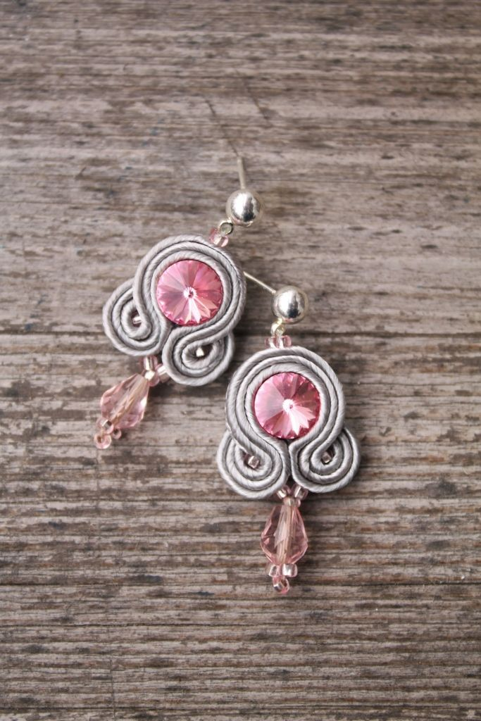 soutache earrings. pink&gray. swarovski rivoli. pattern from TheTerezkaD. handmade. leniccka