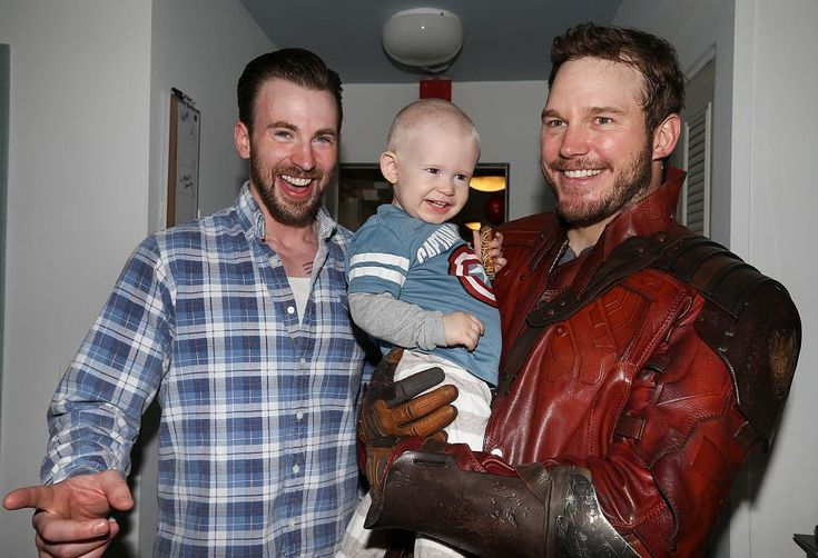 Chris Pratt and Chris Evans are TOO cute!